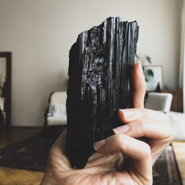 czarny turmalin