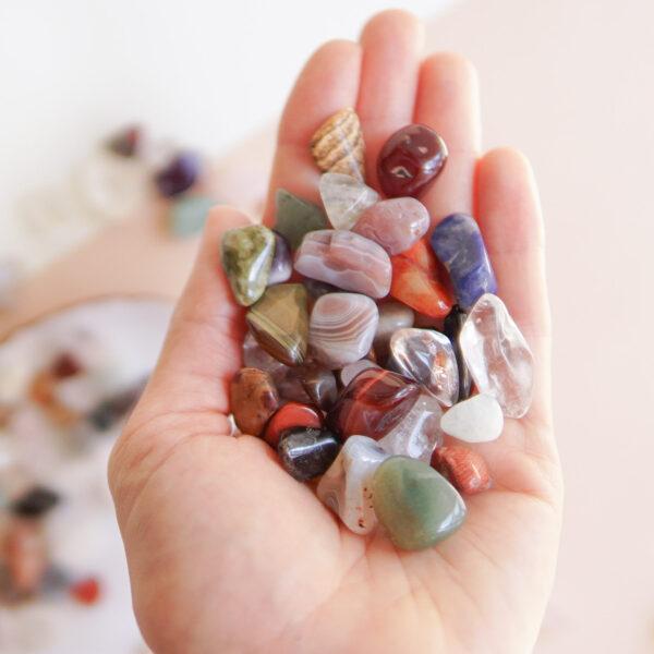 zestaw drobnych kamieni