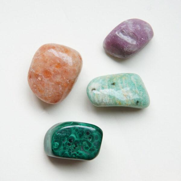 malachit, lepidolit, amazonit